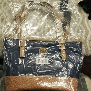 Giani Bernini blue bag